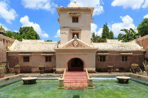 Tamansari-Water-Castle-Yogyakarta-Indonesia-003.jpg