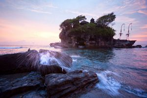 Tanah-Lot-Temple-Bali-Indonesia-001.jpg