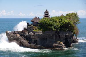 Tanah-Lot-Temple-Bali-Indonesia-002.jpg