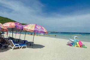 Tawaen-Beach-Chonburi-Thailand-05.jpg