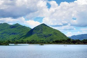 Tha-Thung-Na-Dam-Kanchanaburi-Thailand-01.jpg