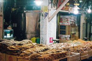 Tha-Tian-Market-Bangkok-Thailand-03.jpg