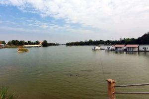 Thale-Ban-Mo-Saraburi-Thailand-01.jpg