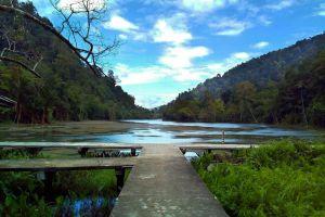 Thale-Ban-National-Park-Satun-Thailand-06.jpg