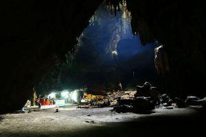 Tham-Chomphon-Ratchaburi-Thailand-004.jpg