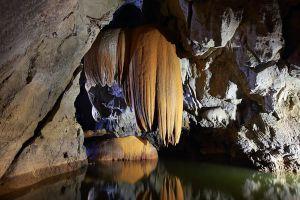 Tham-Le-Stegodon-Satun-Thailand-01.jpg