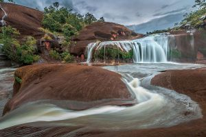 Tham-Phra-Waterfall-Bueng-Kan-Thailand-01.jpg
