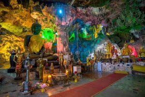 Tham-Si-Wilai-Saraburi-Thailand-02.jpg