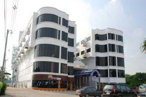 Thani-Hotel-Chainat-Thailand-Facade.jpg