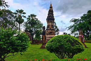 That-Kong-Khao-Noi-Yasothon-Thailand-03.jpg