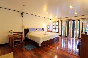 Thavonsouk-Resort-Vang-Vieng-Laos-Room.jpg