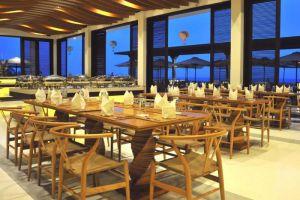 The-Cliff-Resort-Residences-Phan-Thiet-Vietnam-Restaurant.jpg
