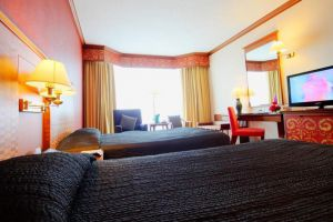 The-Empress-Hotel-Convention-Centre-Chiang-Mai-Thailand-Room.jpg