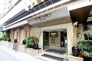 The-Key-Hotel-Bangkok-Thailand-Entrance.jpg