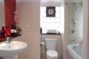 The-Siam-Heritage-Boutique-Suites-Bangkok-Thailand-Bathroom.jpg