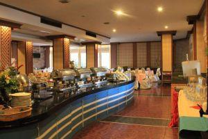 Thepnakorn-Hotel-Buriram-Thailand-Restaurant.jpg