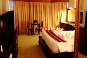 Thepnakorn-Hotel-Buriram-Thailand-Room.jpg