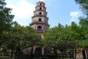 Thien-Mu-Pagoda-Hue-Vietnam-004.jpg