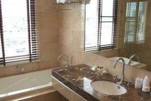 Thomson-Residence-Hotel-Bangkok-Thailand-Bathroom.jpg