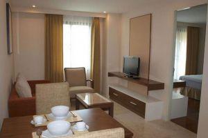 Thomson-Residence-Hotel-Bangkok-Thailand-Living-Room.jpg