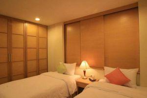Thomson-Residence-Hotel-Bangkok-Thailand-Room.jpg