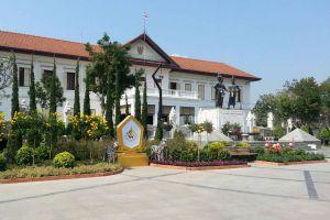 Three-Kings-Monument-Chiang-Mai-Thailand-04.jpg