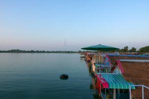 Thung-Kula-Lake-Surin-Thailand-01.jpg