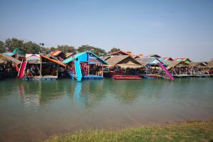 Thung-Kula-Lake-Surin-Thailand-06.jpg