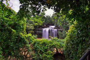 Thung-Na-Muang-Waterfall-Ubon-Ratchathani-Thailand-01.jpg