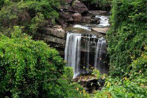 Thung-Na-Muang-Waterfall-Ubon-Ratchathani-Thailand-02.jpg