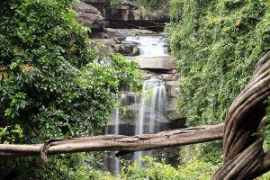 Thung-Na-Muang-Waterfall-Ubon-Ratchathani-Thailand-04.jpg