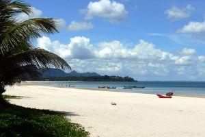 Thung-Wua-Laen-Beach-Chumphon-Thailand-002.jpg