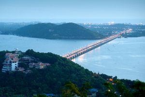 Tinsulanonda-Bridge-Songkhla-Thailand-02.jpg
