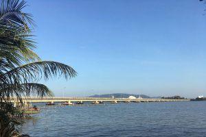 Tinsulanonda-Bridge-Songkhla-Thailand-04.jpg