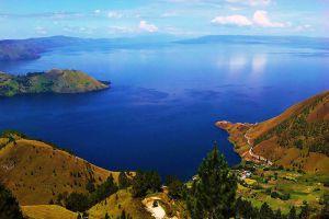 Toba-Lake-North-Sumatra-Indonesia-001.jpg