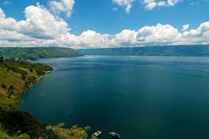 Toba-Lake-North-Sumatra-Indonesia-004.jpg