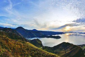 Toba-Lake-North-Sumatra-Indonesia-005.jpg