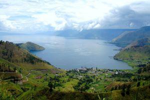 Toba-Lake-North-Sumatra-Indonesia-006.jpg
