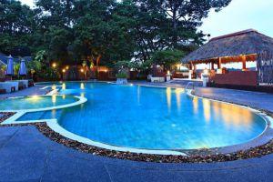 Tohsang-Khongjiam-Resort-Ubon-Ratchathani-Thailand-Pool.jpg