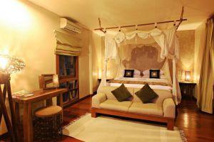 Tohsang-Khongjiam-Resort-Ubon-Ratchathani-Thailand-Room.jpg