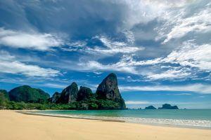 Tonsai-Beach-Krabi-Thailand-03.jpg