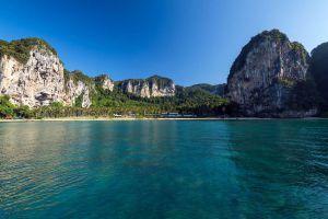 Tonsai-Beach-Krabi-Thailand-05.jpg