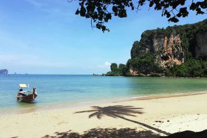 Tonsai-Beach-Krabi-Thailand-06.jpg