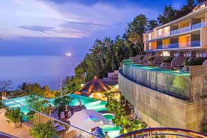 Traveliss-Phuket-Thailand-01.jpg