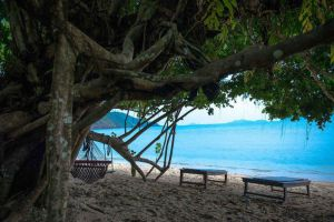 Tropical-Beach-Resort-Koh-Chang-Thailand-Beachfront.jpg