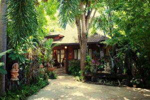 Tropical-Villa-Samui-Thailand-Entrance.jpg