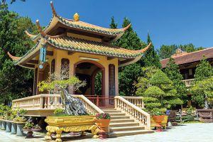 Truc-Lam-Zen-Monastery-Dalat-Vietnam-005.jpg