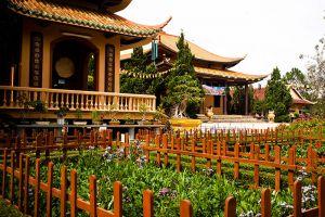Truc-Lam-Zen-Monastery-Dalat-Vietnam-006.jpg