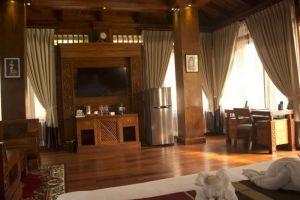 Try-Palace-Resort-Spa-Kep-Cambodia-Living-Room.jpg