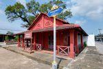 Tuek-Daeng-Chanthaburi-Thailand-05.jpg
